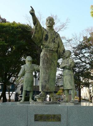 Ishii_juji_statue__miyazaki_pref_ge