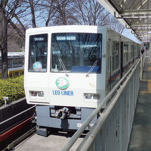 Seibu_8500_v3_at_seibukyujomae_2016